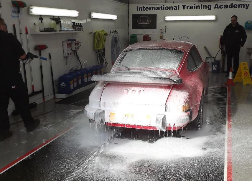nielsen wash - R8's keen eye for details
