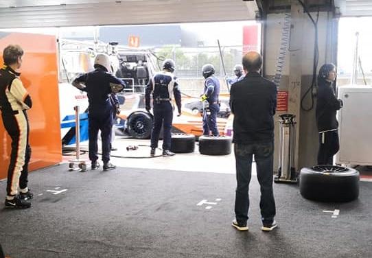 nielsen racing tyre change